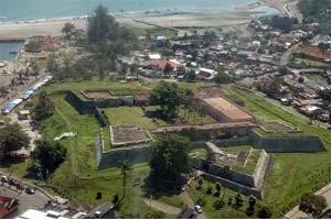 Benteng Marlborough Bengkulu Utiket Kota