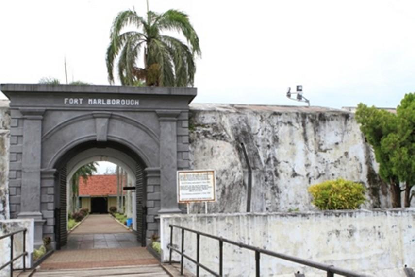 Benteng Marlborough Indonesiakaya Eksplorasi Budaya Bengkulu Pintu Kawasan Kota
