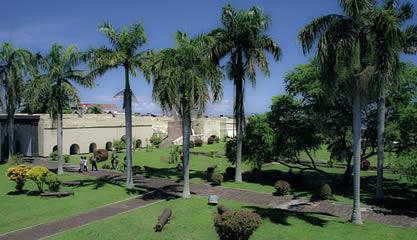 Manggung News Objek Wisata Sejarah Fort Marlborough Bengkulu Setelah Lebih