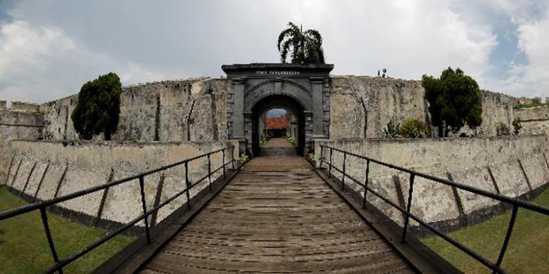 Obyek Wisata Bengkulu Sepi Pengunjung Kompas Benteng Marlborough Selasa 14