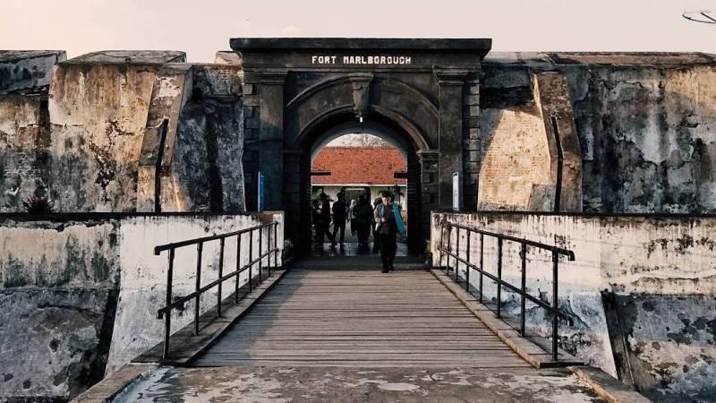 Panduan Tips Pergi Liburan Bengkulu Pergimulu Benteng Marlborough Romyindraw Kota