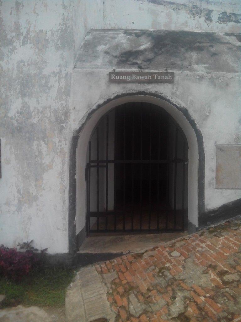 Ruang Bawah Tanah Benteng Fort Marlborough Kota Bengkulu Studio