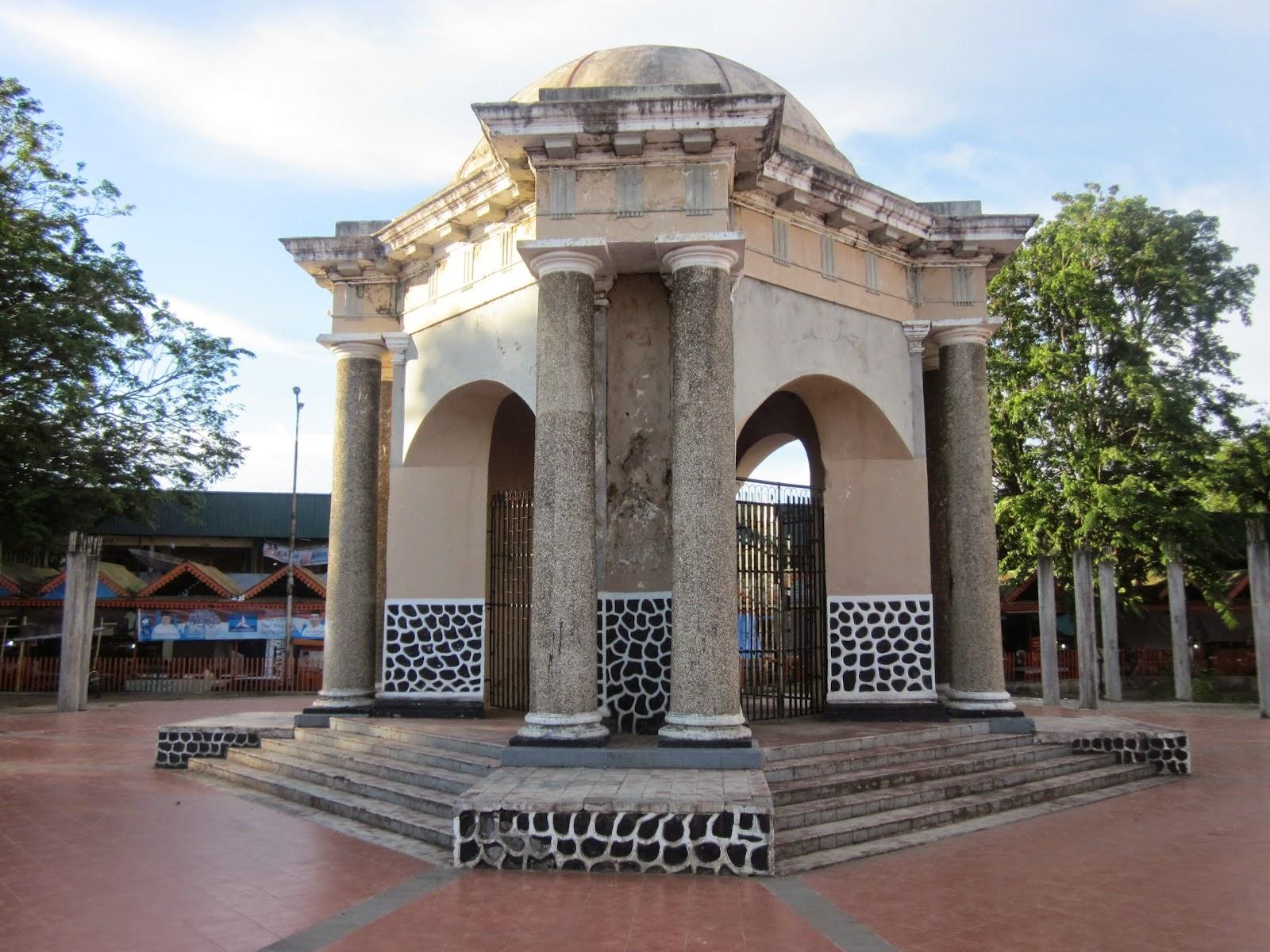 Bengkulu Struggle Monument Thomas Parr Tourism Indonesia Attractions Monumen Kota