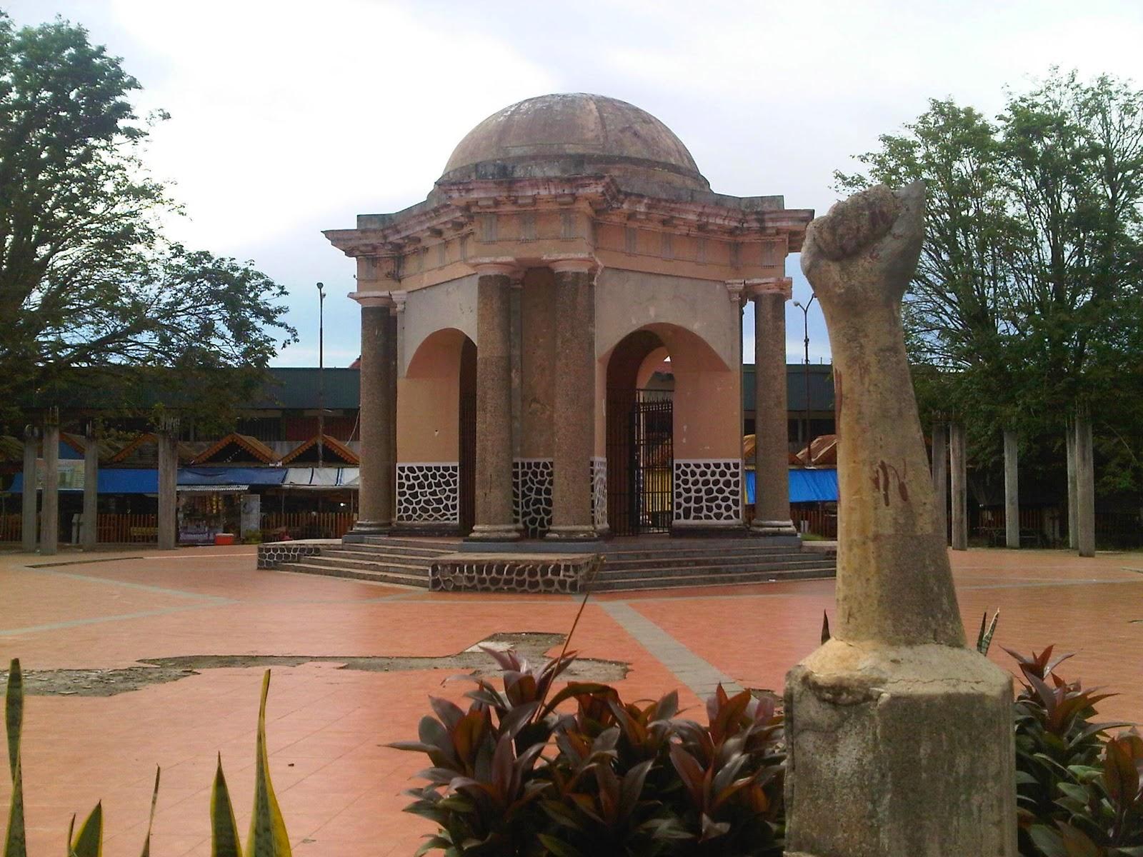 Bengkulu Struggle Monument Thomas Parr Tourism Indonesia Monumen Kota