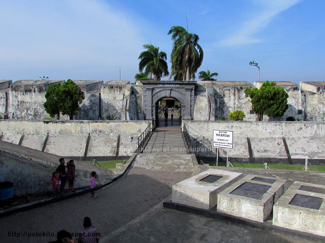 Gallery Bengkulu Indonesia Photo Historical Places Memorials Thomas Parr Charles