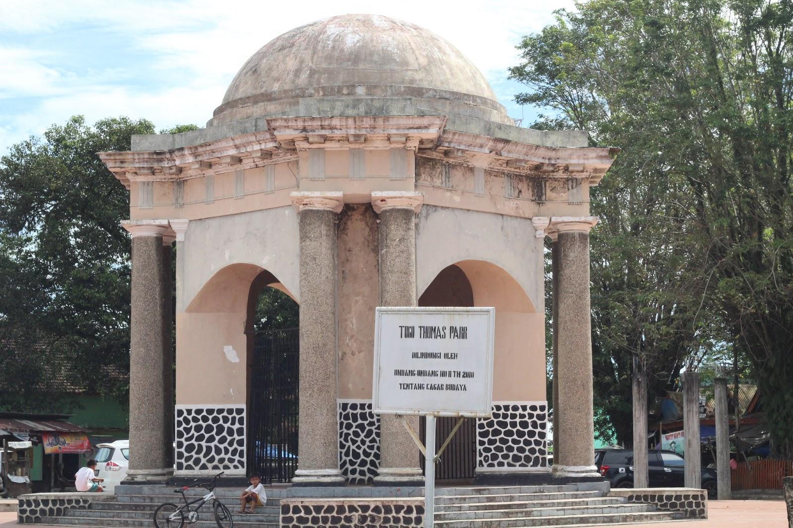 Koleksi Foto Tempat Bersejarah Bengkulu Gambar Tugu Thomas Parr Berupa