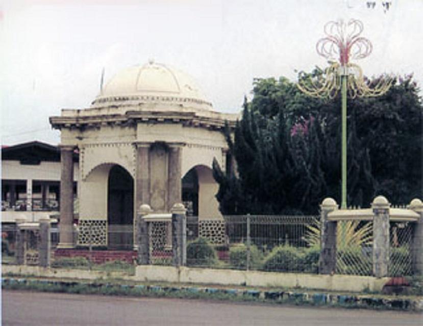 Monumen Thomas Parr Kota Bengkulu