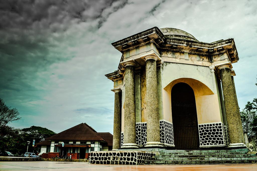 Tempat Wisata Asyik Bengkulu Anakunib 8 Tugu Thomas Parr Monumen
