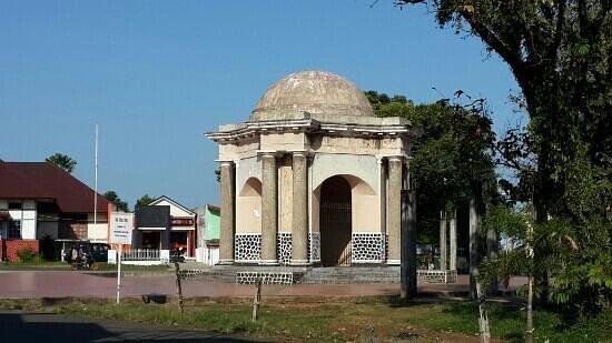 Thomas Park Monumen Picture Parr Monument Bengkulu Kota