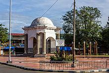 Thomas Parr Monument Wikipedia Small Park Monumen Kota Bengkulu