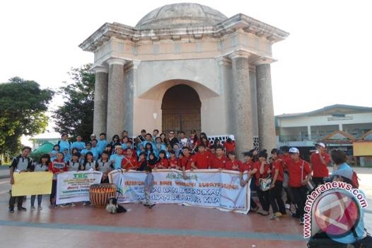 Warga Bengkulu Protes Warna Tugu Thomas Parr Antara News Monumen