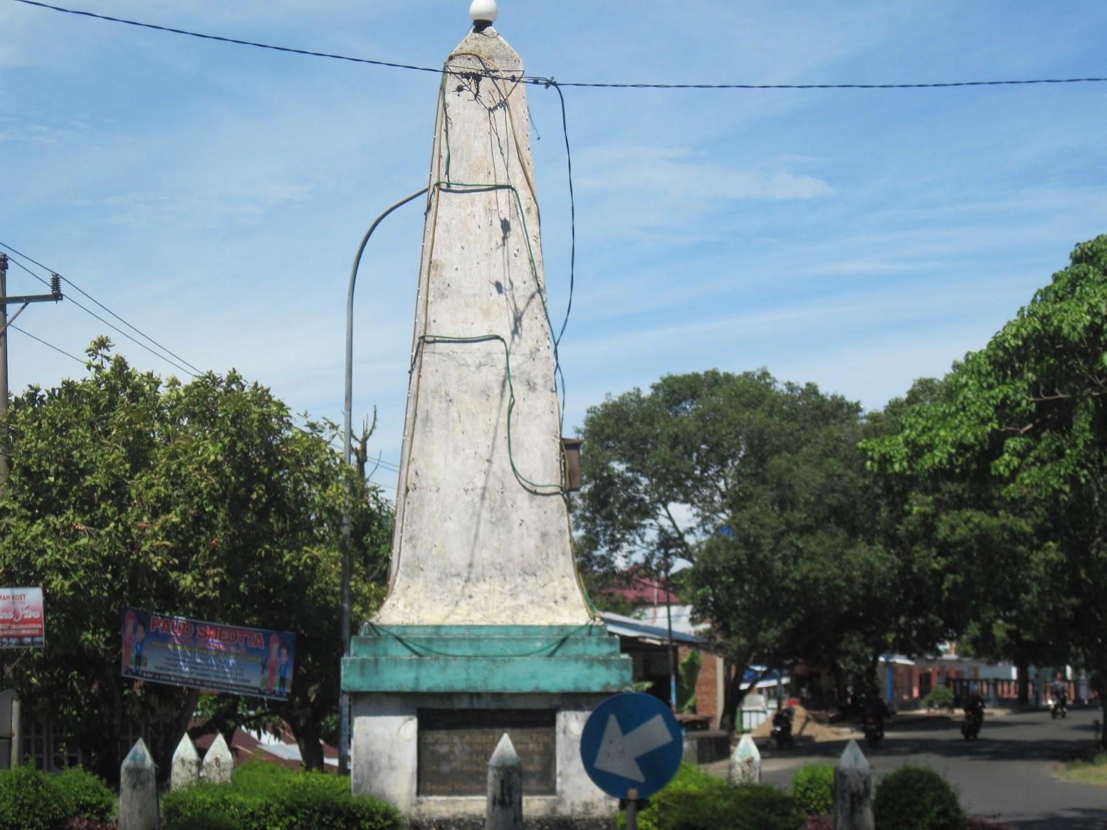 Wigo Aryaguna Macam Tugu Kotamadya Bengkulu Berupa Bangunan Monumental Memperingati