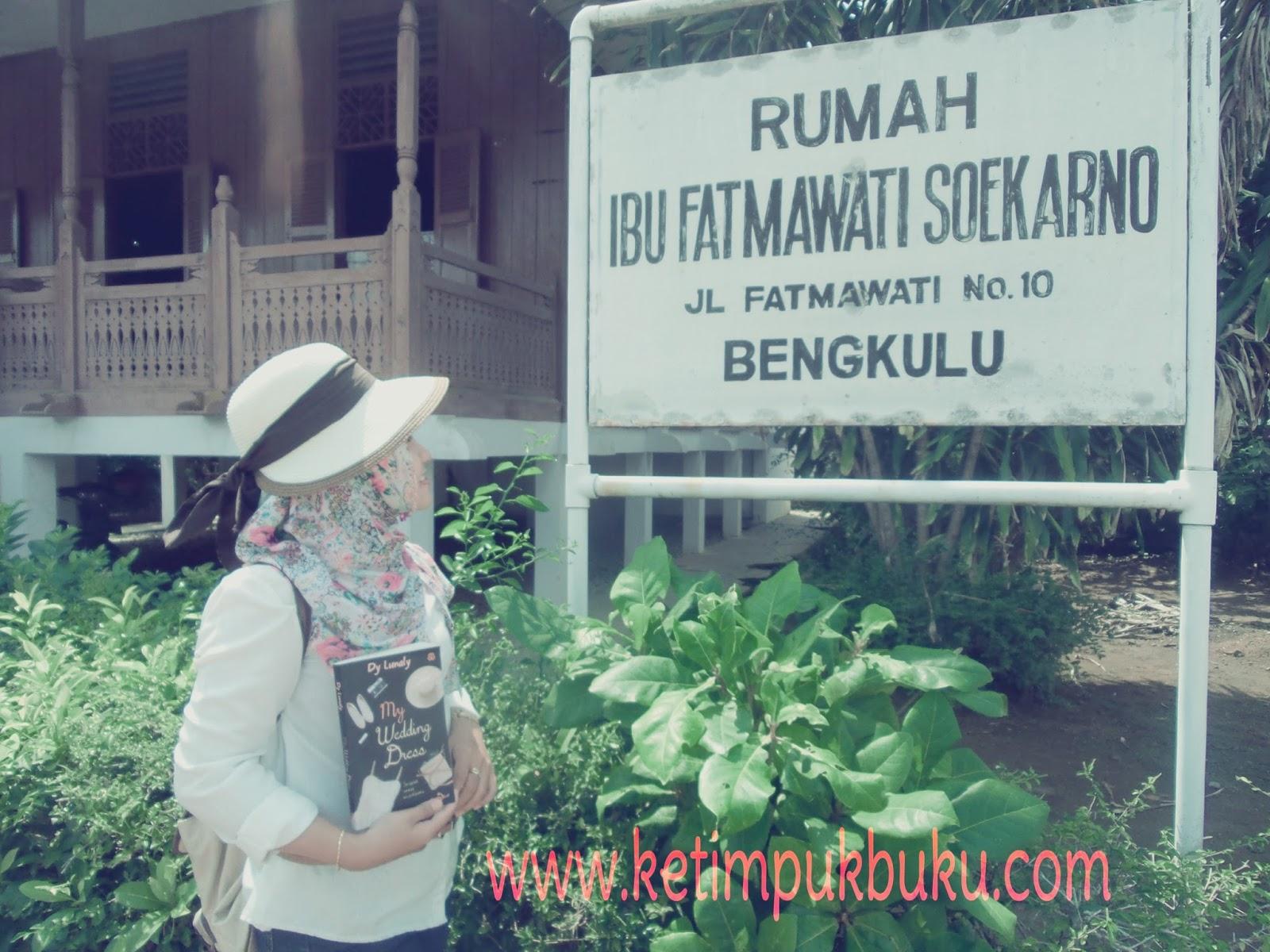 Jalan Rumah Ibu Fatmawati Soekarno Bengkulu Intan Terletak Pusat Kota
