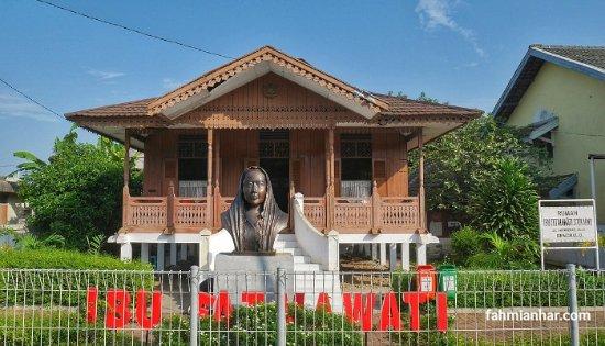Rumah Ibu Fatmawati Picture Soekarno Musium Bengkulu Kota