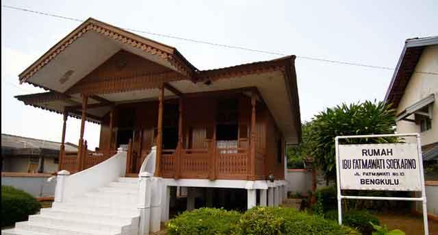 Cakrawala Bumi Rafflesia Rumah Pengasingan Bung Karno Bengkulu Ibu Fatmawati
