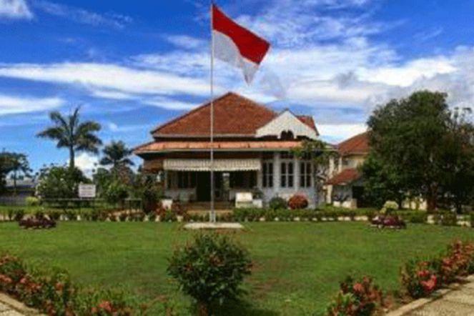 Mengenang Sejarah Rumah Pengasingan Soekarno Bengkulu Money Id Wisatabengkulucom Bung