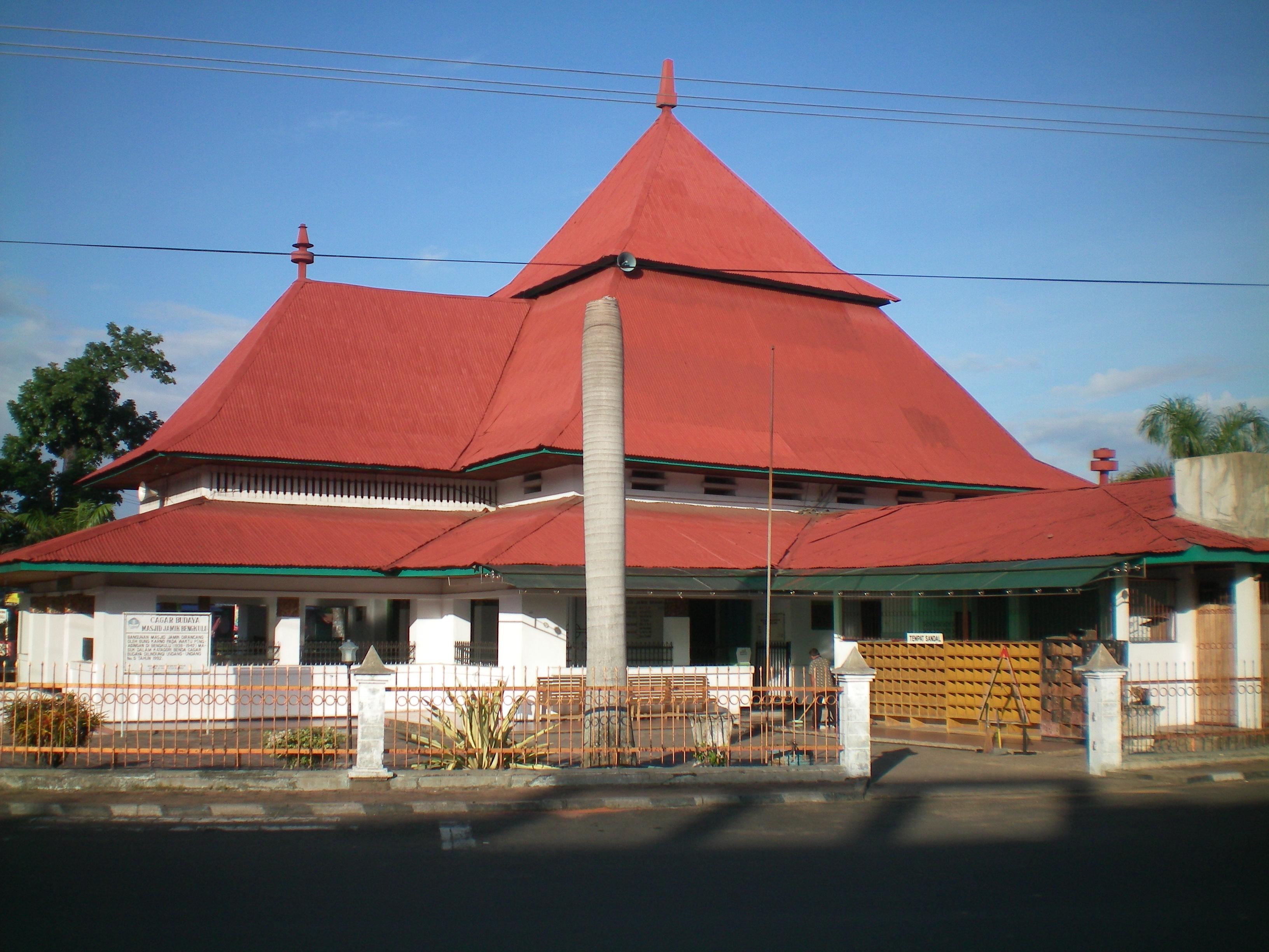 Peninggalan Bung Karno Bengkulu Kisahku Masjid Terletak Jalan Utama Kota