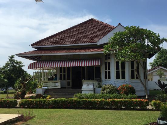 Rumah Asri Tengah Kota Bengkulu Photo De Pengasingan Bung Karno