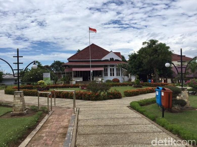 Tokoh Islam Oei Tjeng Hien Rumah Pengasingan Soekarno Jejak Bung