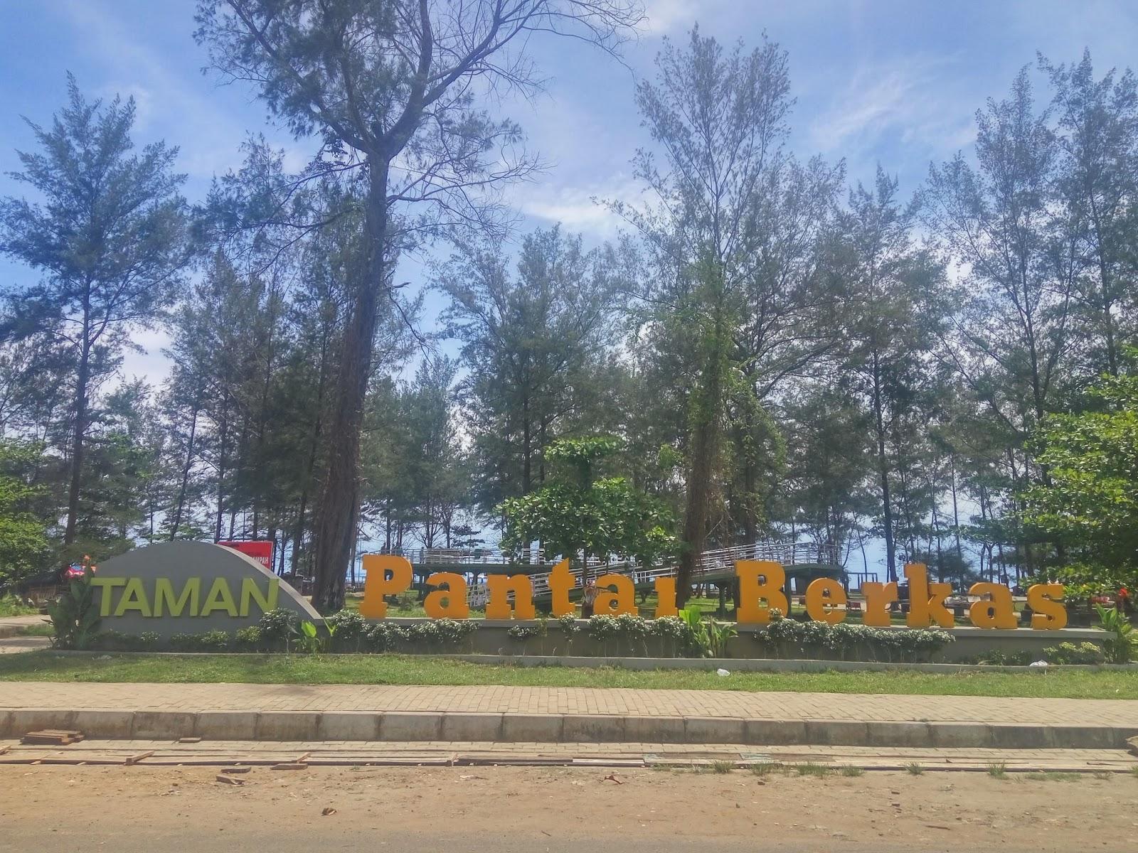Boki Vanroyen Tempat Tongkrongan Asik Kota Bengkulu Taman Pantai Berkas