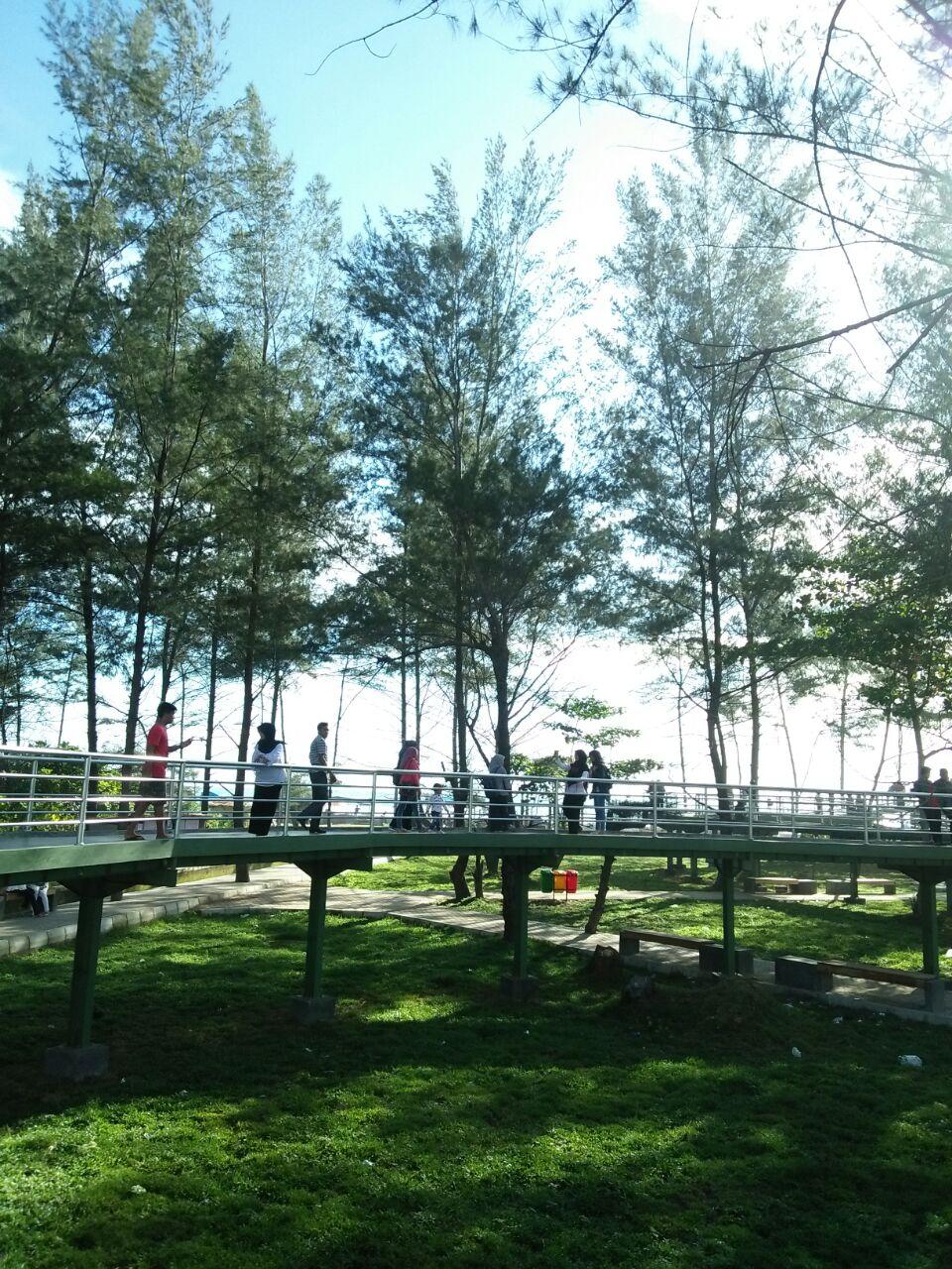 Loisa Story Taman Pantai Berkas Bengkulu Memiliki View Cukup Bagus