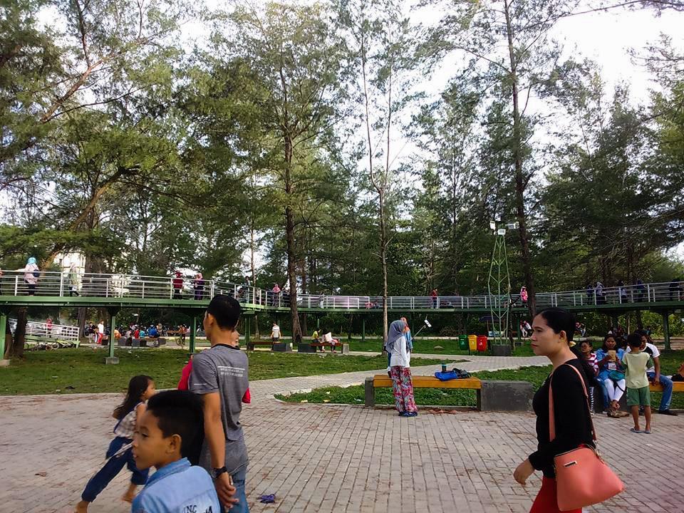 Mari Bertamasyah Taman Pantai Berkas Kota Bengkulu Beritalima