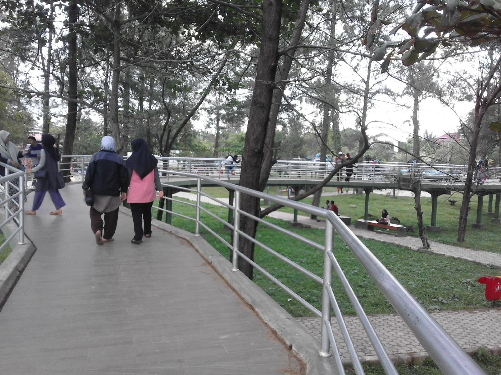 Nyantai Taman Pantai Berkas Bengkulu Yuk Blog Junita Susanti Terdapat