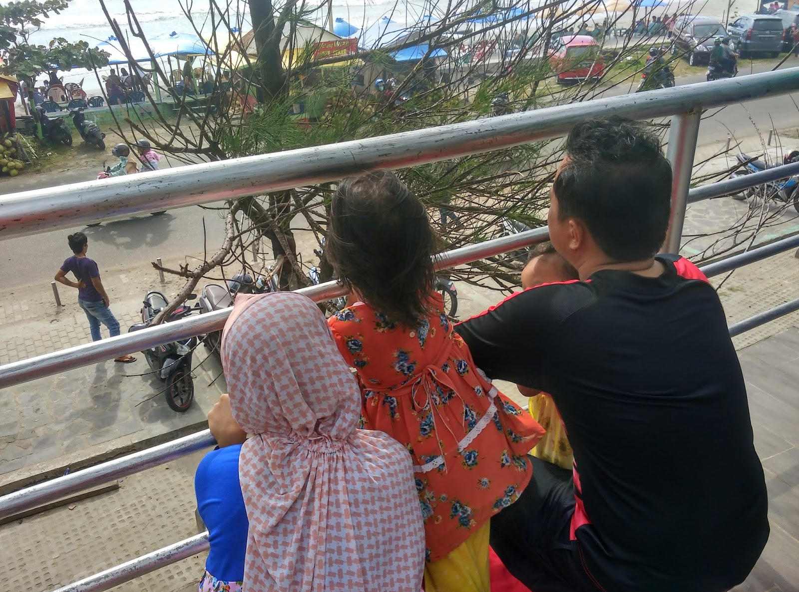 Taman Pantai Berkas Bengkulu Arena Bermain Buat Anak Asik Lihat