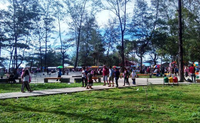 Taman Pantai Berkas Diserbu Wisatawan Nusantara Terkini Kota Bengkulu