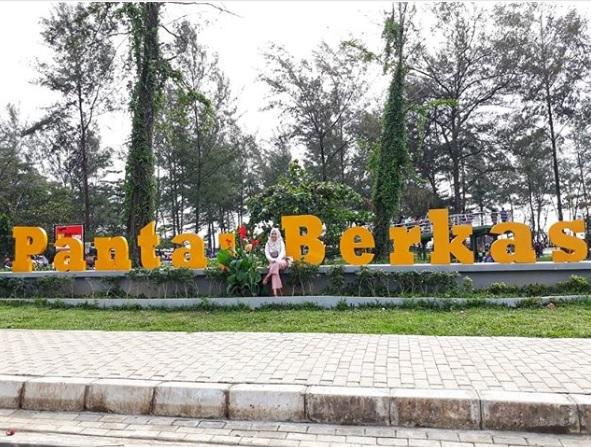 Taman Pantai Berkas Tempat Nongrong Gratis Bengkulu Intan Main Melihat