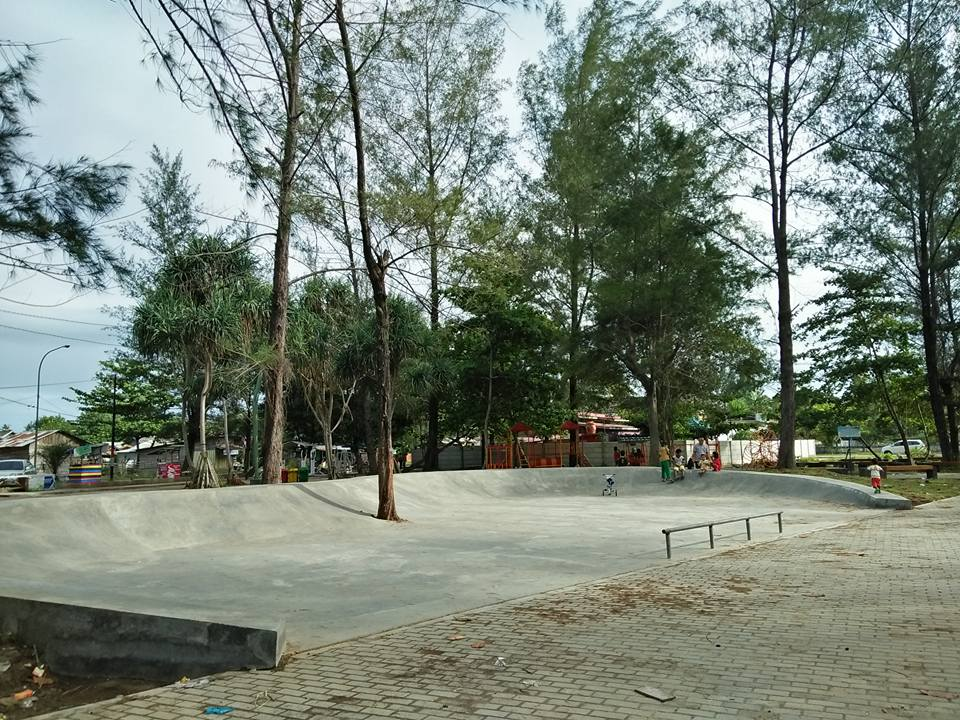 Taman Pantai Berkas Tempat Wisata Kota Bengkulu Tetap Berkunjung Sekedar