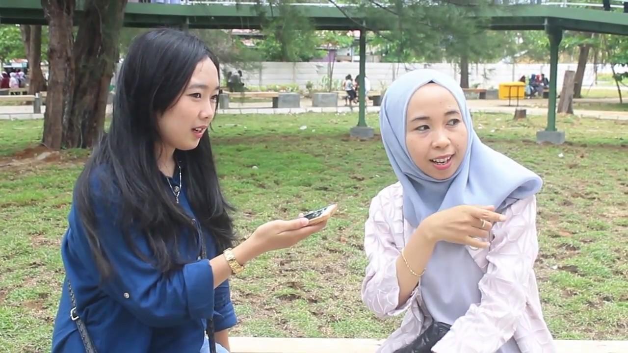 Teknik Wawancara Reportase Pengunjung Taman Pantai Berkas Kota Bengkulu