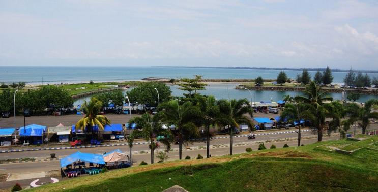 15 Tempat Wisata Bengkulu Wajib Dikunjungi Pantai Panjang Taman Keluarga