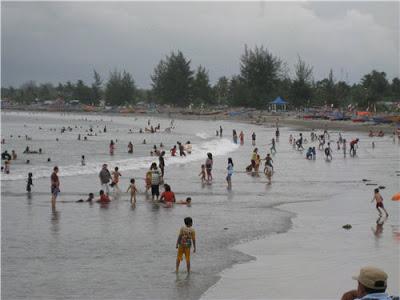 Objek Wisata Bengkulu Diserbu Pengunjung Suara Pembaruan Pantai Panjang Google