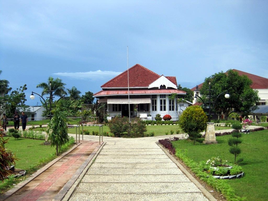 Tempat Wisata Bengkulu Wajib Dikunjungi Rumah Pengasingan Bung Karno Taman
