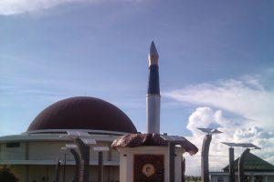 3 Tempat Bersejarah Wajib Dikunjungi Bengkulu Travelnatic Tugu Pers Dok