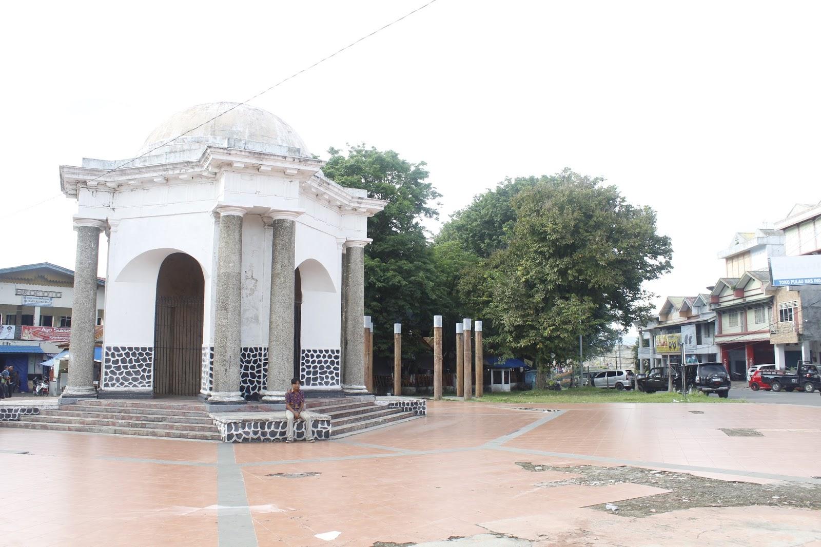 Marisakhairiyani Juli 2016 Tugu Tomas Parr Monument Salah Satu Bangunan