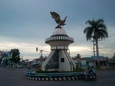 Pantai Tapak Paderi Bengkulu Pinterest Tugu Garuda Pers Kota