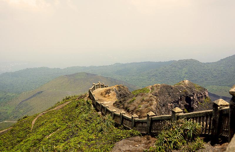 Simbol Bengkulu Tugu Pers Sebagai Destinasi Wisata Menarik Alam Bukit