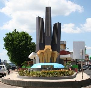 Tugu Pers Jambi Sumatran Feet Park Press Monument Bengkulu Kota