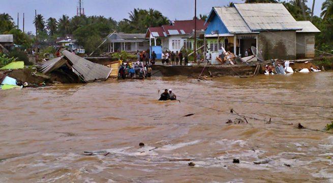 Banjir Longsor Menerjang Ribuan Warga Bitung Mengungsi 11 Kelurahan Empat