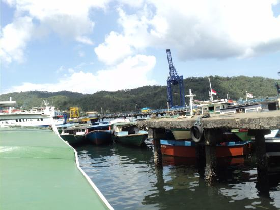 Dermaga Ruko Bitung Tempat Nyebrang Pulau Lembeh Picture Strait Gunung