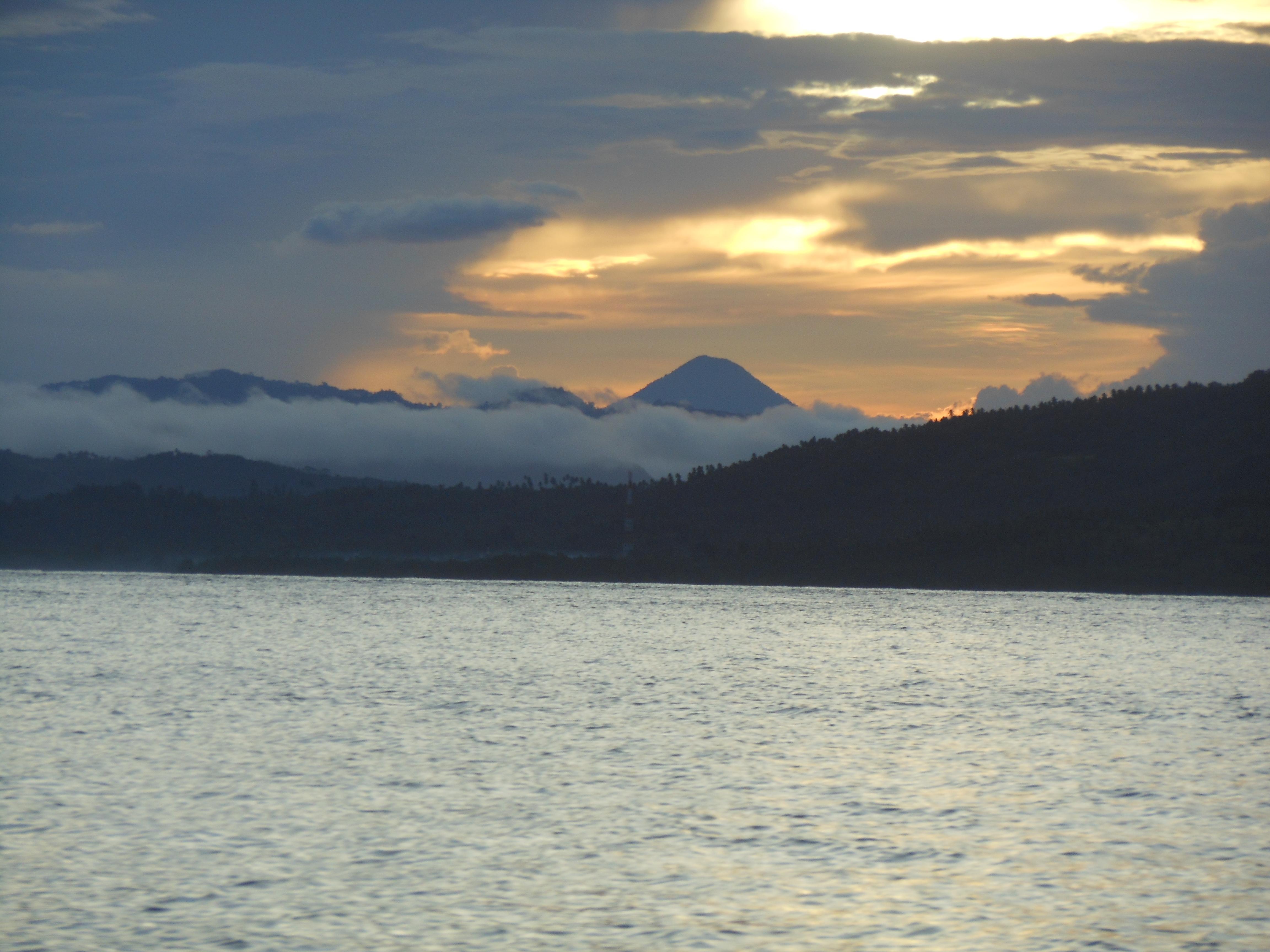 Gunung Dua Saudara Bagging Tomohon Bunaken Tangkoko 144 Duasaudara Kota