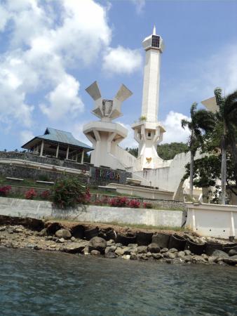 Tugu Trikora Monumen Pesawat Terbang Pulau Lembeh Picture Gunung Dua