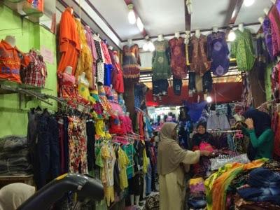 4 Tujuan Wisata Belanja Kota Bukittinggi Pasar Aur Kuning Atas