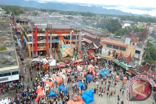 Aktivitas Perdagangan Pasar Wisata Bukittinggi Lumpuh Total Warga Menyaksikan Pusat