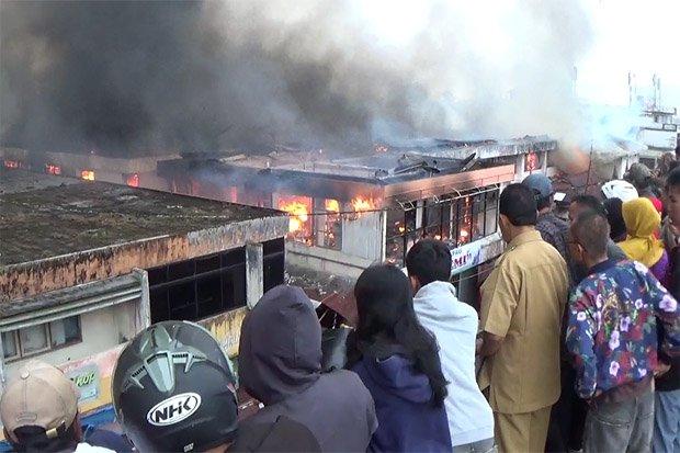 Astaga 800 Kios Pasar Atas Bukittinggi Ludes Terbakar Okezone News