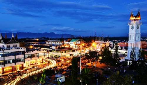 Benarkah Kawasan Pasar Atas Jam Gadang Bukittinggi Terancam Runtuh Kota