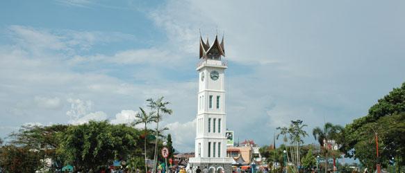 Jam Gadang Pasar Atas Bawah Ikon Wisata Kota Bukittinggi Bukittingi