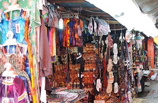 Jam Gadang Pasar Atas Bawah Ikon Wisata Kota Bukittinggi